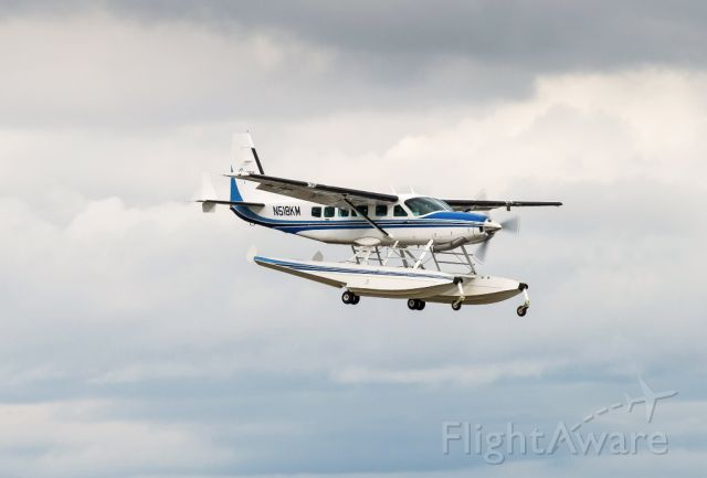 Cessna Caravan (N518KM) - This seaplane on a final approach on 16R at KPAE