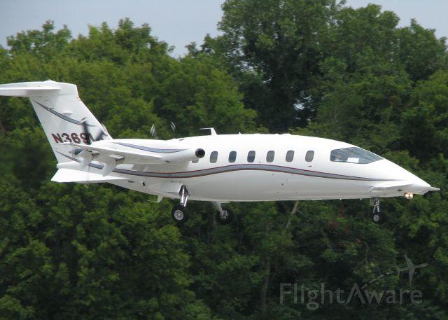 Piaggio P.180 Avanti (N369LC) - Landing on runway 14 at the Shreveport Downtown airport.