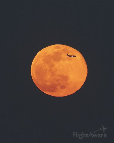 Embraer 175 — - The Worm moon at moonrise, 7:40PMbr /New York City March 09, 2020