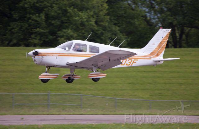 Piper Cherokee (N5403F) - Perfect landing runway 07.