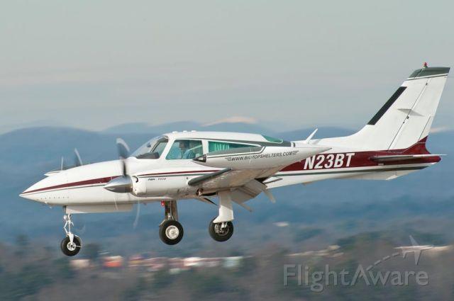 Cessna 310 (N23BT) - 12/30/09