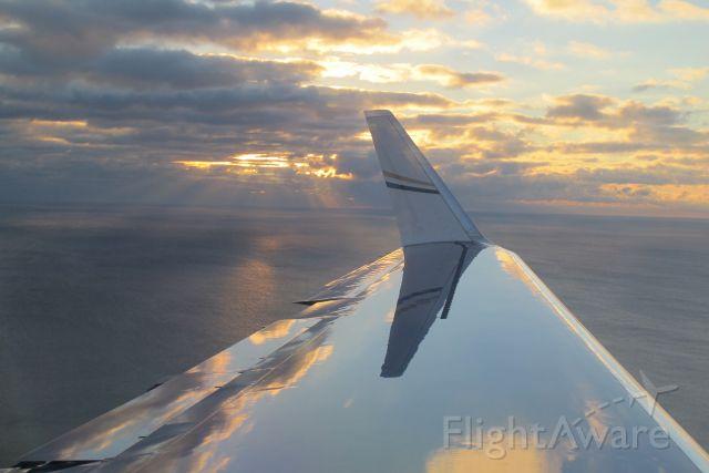 Gulfstream Aerospace Gulfstream V (N550BM) - Arriving over Lake Michigan