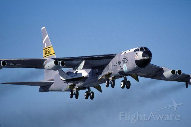 Boeing B-52 Stratofortress (52-0008) - Boeing NB-52B 52-0008 taking off on the sixth flight of the X-38 Space Station Crew Return Vehicle at Edwards Air Force Base on November 2, 2000. A different launch pylon was installed for the X-38 program.