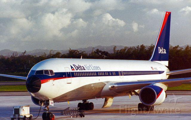 BOEING 767-300 (N130DL) - wfu and stored BYH 2016-06-27