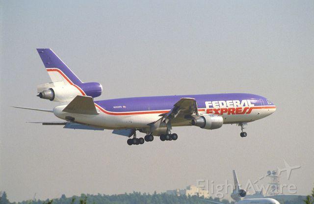 McDonnell Douglas DC-10 (N305FE) - Short Final at Narita Intl Airport Rwy16 on 1988/11/13