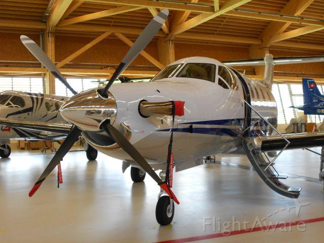 — — - Pilatus PC-12