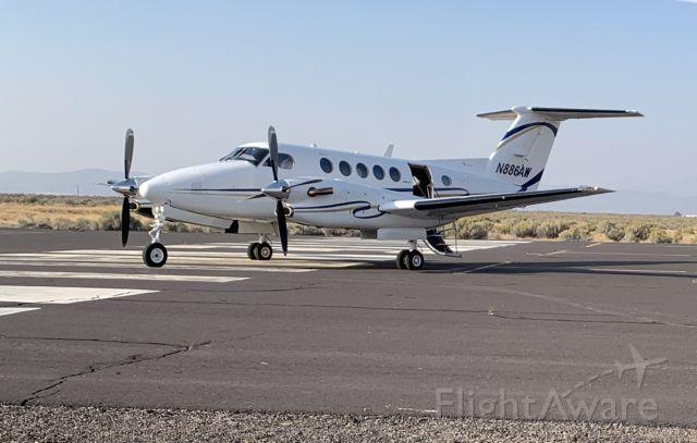 Beechcraft Super King Air 300 (N886AW)