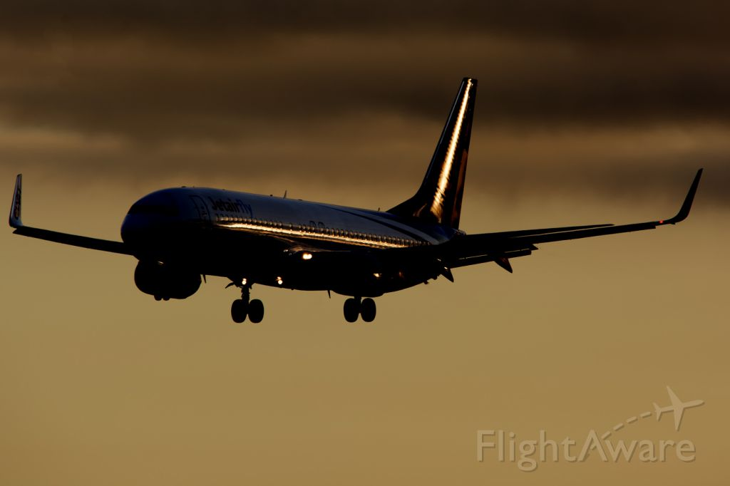 Boeing 737-800 (OO-CAN)