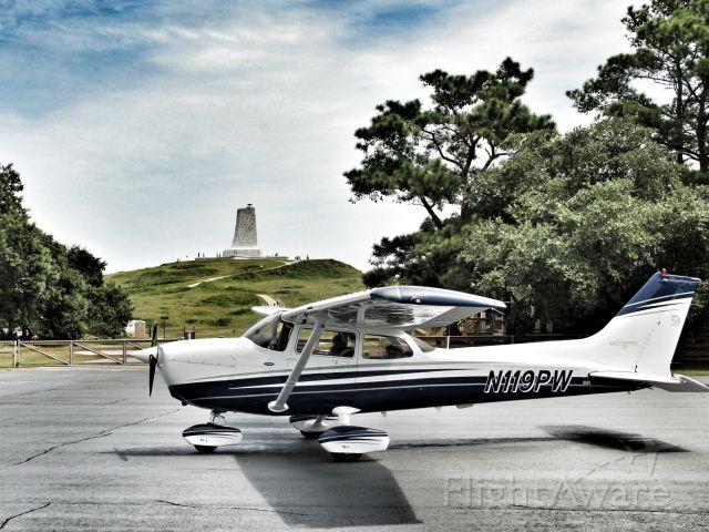Cessna Skyhawk (N119PW)