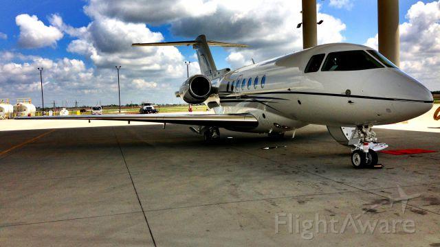 — — - Hawker4000 Horizon, and HenriksenJetCenter
