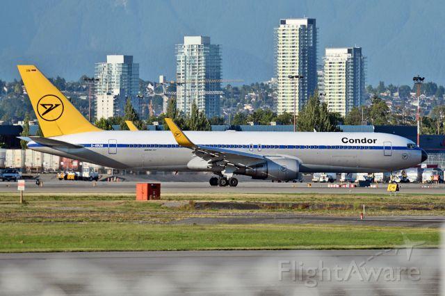 BOEING 767-300 (D-ABUM)