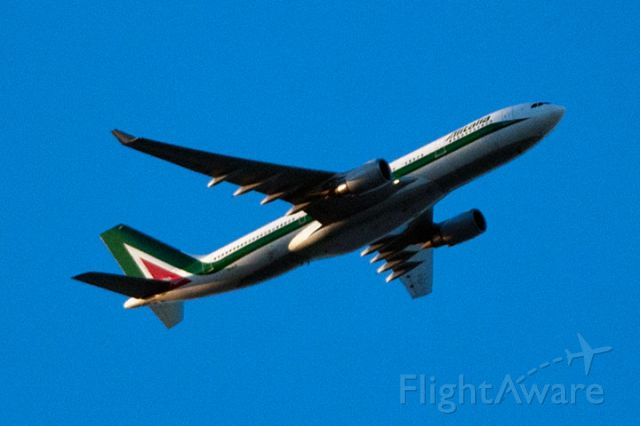Airbus A330-200 (EI-EJH) - 12/22/12:  Alitalia flight 631 climbing into sunlight at about 8,000 feet over Miami Lakes after sunset.  They had taken off to the west at MIA and enroute to FCO.
