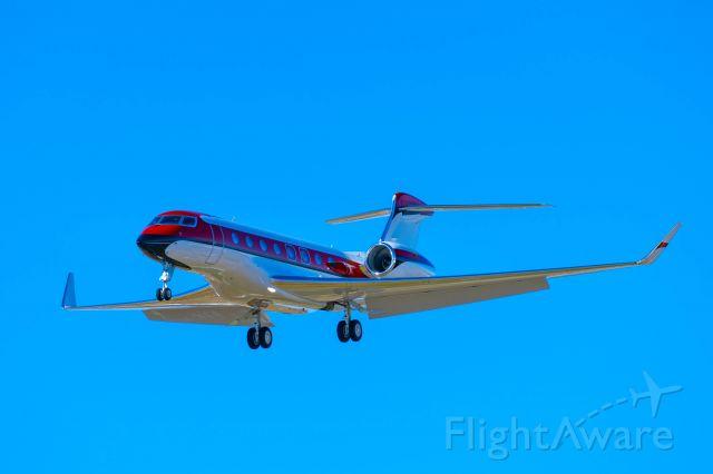 Gulfstream Aerospace Gulfstream G650 (N303HM) - Approach end of runway 17L