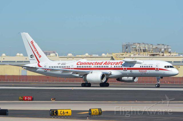 Boeing 757-200 (N757HW) - Honeywell