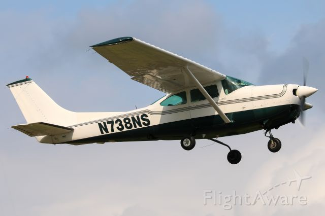 Cessna Skylane RG (N738NS)