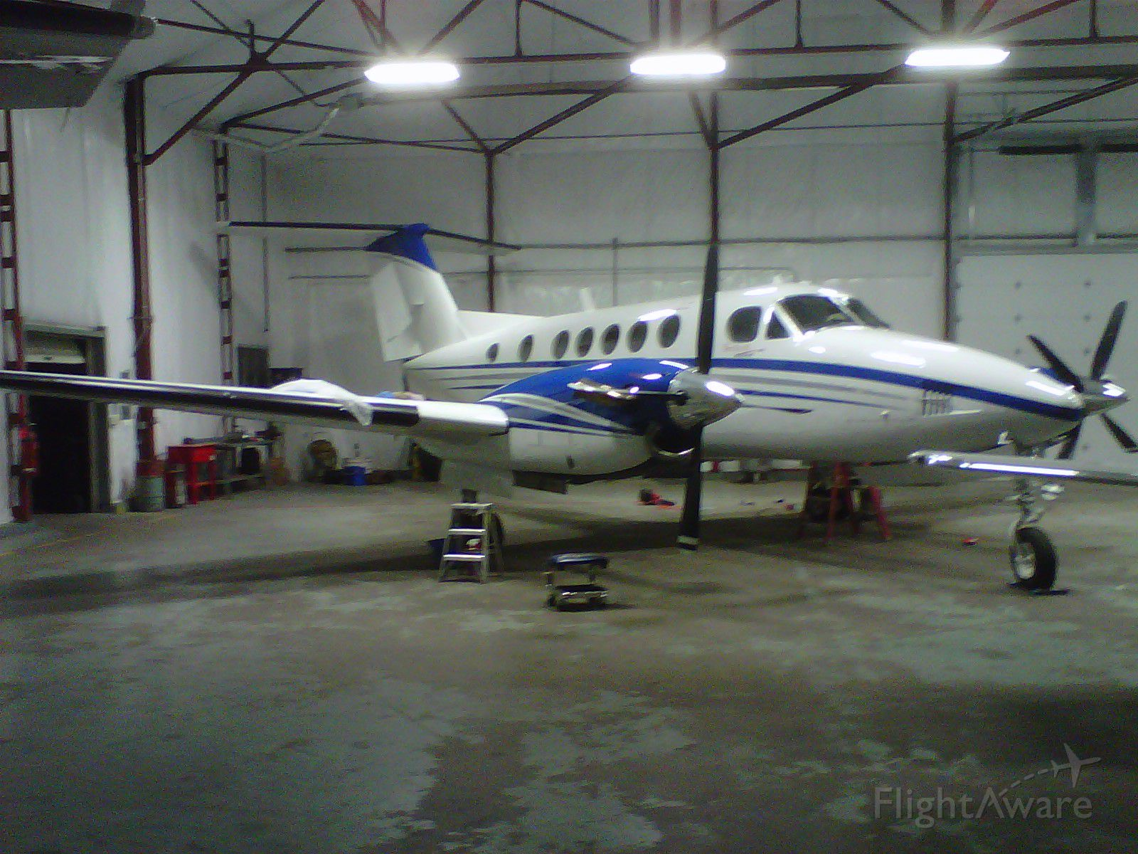 Beechcraft Super King Air 200 (N551JL)