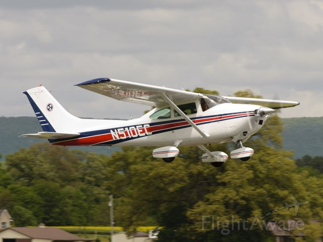 """Cessna Skylane (N510EC) - Here we see my good friend Brian giving me """"the look"""" as he departs out in this beautiful 1984 Cessna 182R. Thanks for your visit!"""