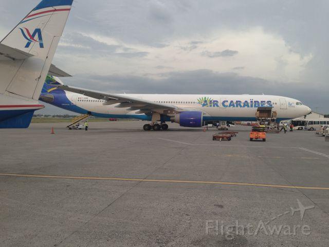 Airbus A330-300 (F-OONE)