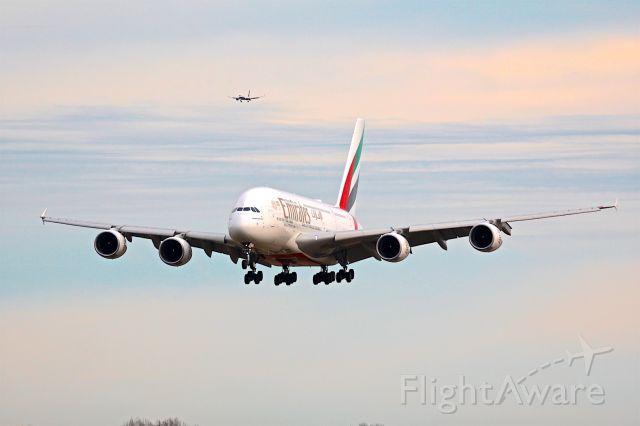 Airbus A380-800 (A6-EUL)