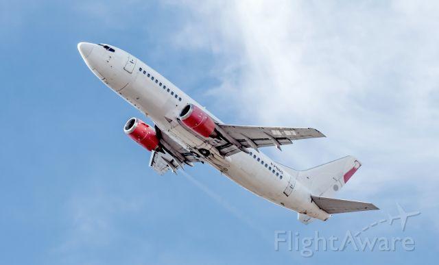 BOEING 737-300 (N390US) - 733