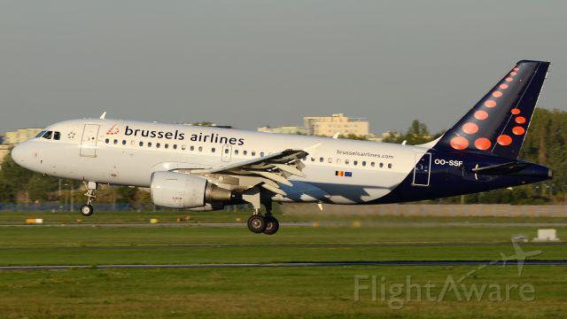 Airbus A319 (OO-SSF)