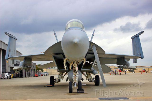 McDonnell Douglas FA-18 Hornet (16-8904)