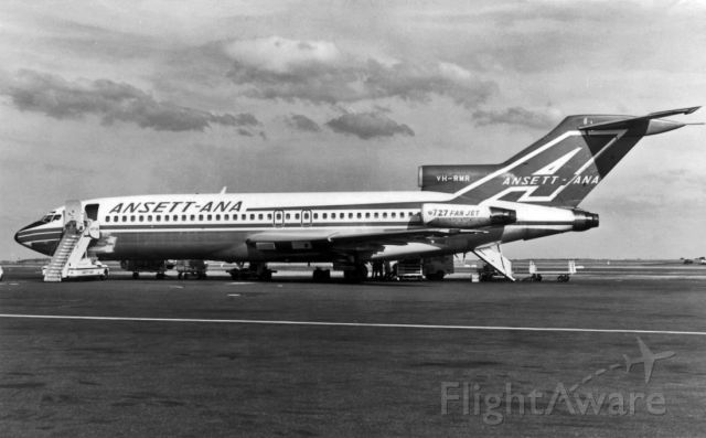 Boeing 727-100 (VH-RMR) - ANSETT AIRLINES OF AUSTRALIA - BOEING 727-77 - REG : VH-RMR (CN 19253/296) - ESSENDON AIRPORT MELBOURNE VIC. AUSTRALIA - YMEN