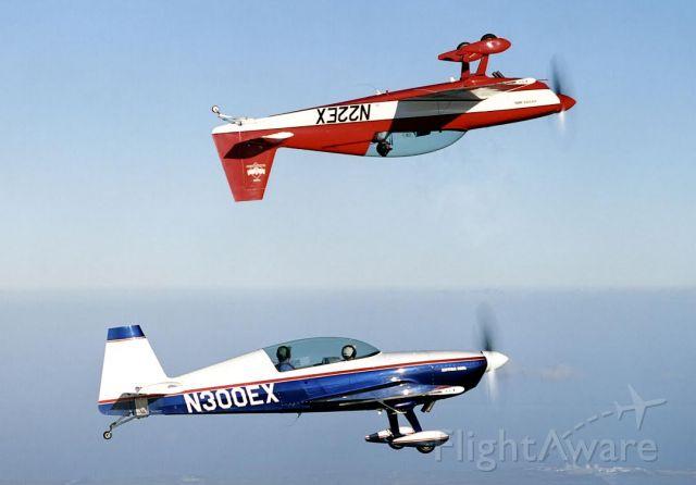 EXTRA EA-300 (N300EX) - Extra 300 formation flight.