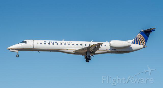 Embraer ERJ-145 (N36915)