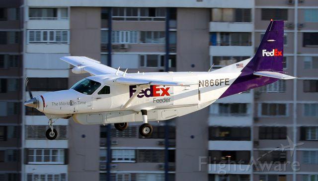 Cessna Caravan (N866FE)