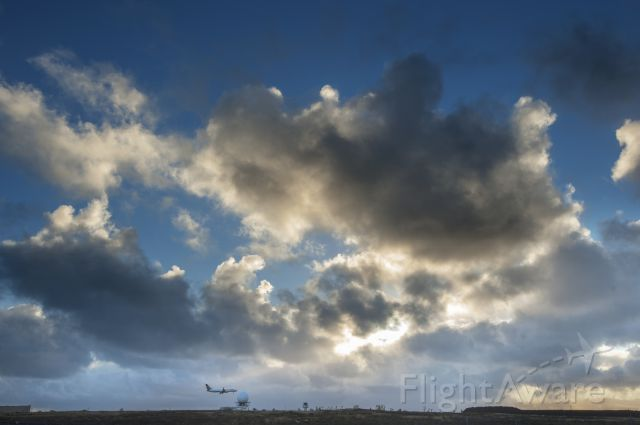 Boeing 757-200 (ICE431) - Icelandair FI431 landing in Keflavik Iternational Airport Iceland.