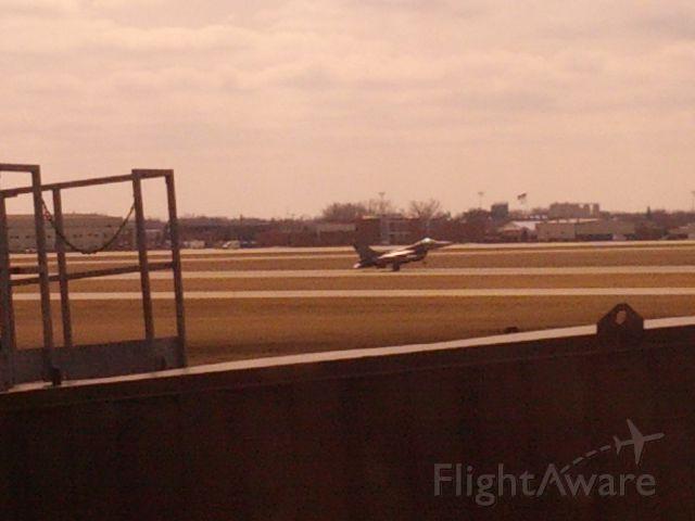 Lockheed F-16 Fighting Falcon — - SD Air National Guard