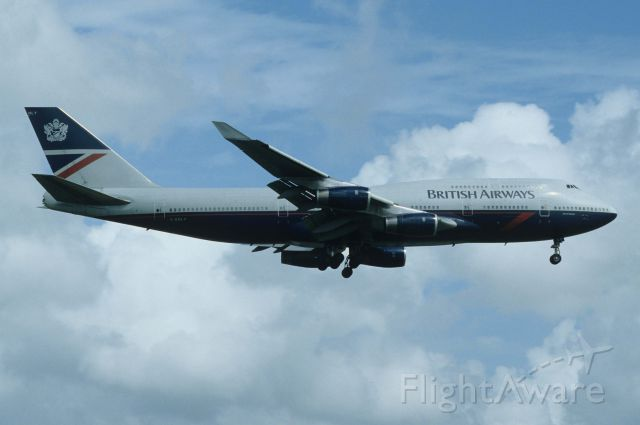 Boeing 747-400 (G-BNLY) - Final Approach to Narita Intl Airport Rwy16R on 1997/09/17