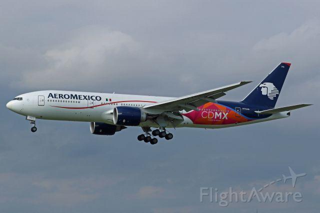 """Boeing 777-200 (N776AM) - Sticker """"CDMX Ciudad de Mexico"""""""