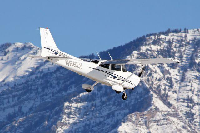 Cessna Skyhawk (N66LY) - On Final RWY 13 KPVU.  Taken by J. Rodeback