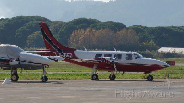 Piper Aerostar (LX-RED)