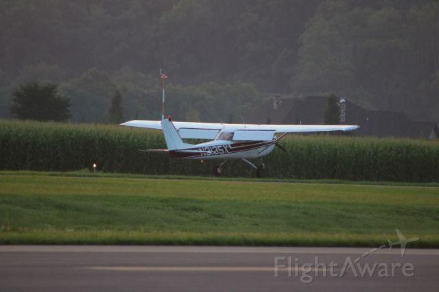 Cessna Commuter (N3135X) - N3135X during touchdown on RW 35 @ KSEG.
