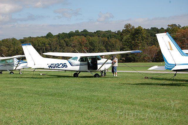 Cessna Skyhawk (N51236)