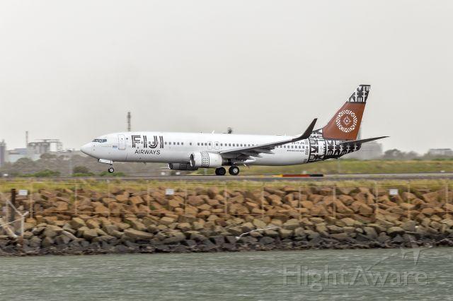 Boeing 737-800 (DQ-FJM) - Fiji Airways (DQ-FJM) Boeing 737-86J(WL) departing Sydney Airport.