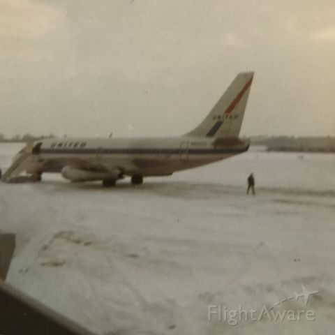 Boeing 737-200 — - Taken by my Dad, seeing my older brother off to college. GRR-ORD leg around 1970.