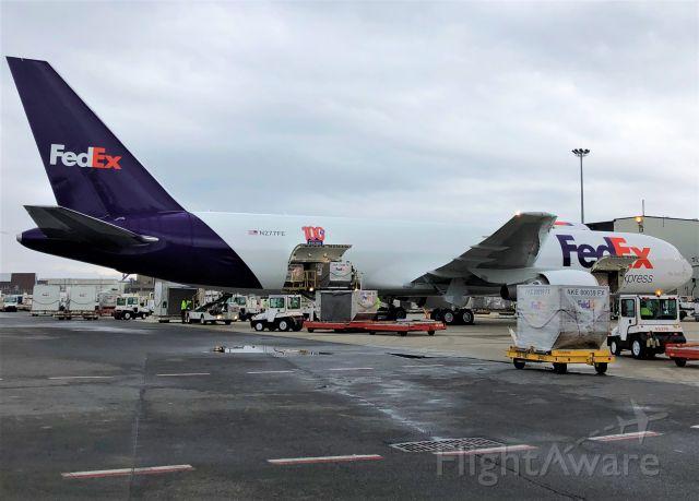 BOEING 767-300 (N277FE) - FedEx 100th B767-300F