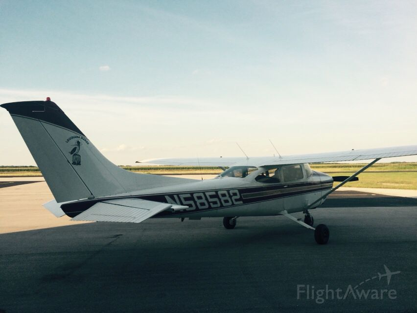 Cessna Skylane (N58582)