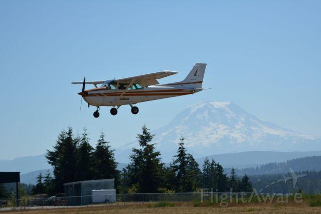 Cessna Skyhawk (N4725D)