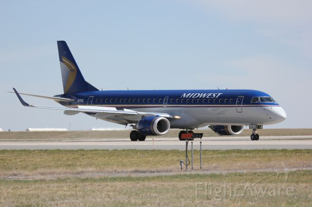 Embraer ERJ-190 (N171HQ) - Returning to DIA after loss of cabin pressure.