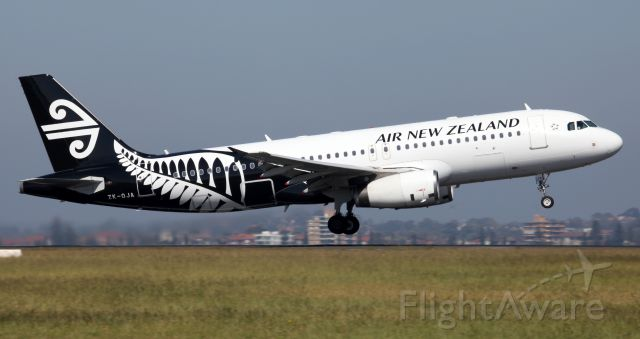 Airbus A320 (ZK-OJA) - Departing Rwy 34R