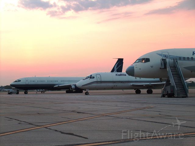 Boeing 707-100 — - Interesting line up at dawn at RFD
