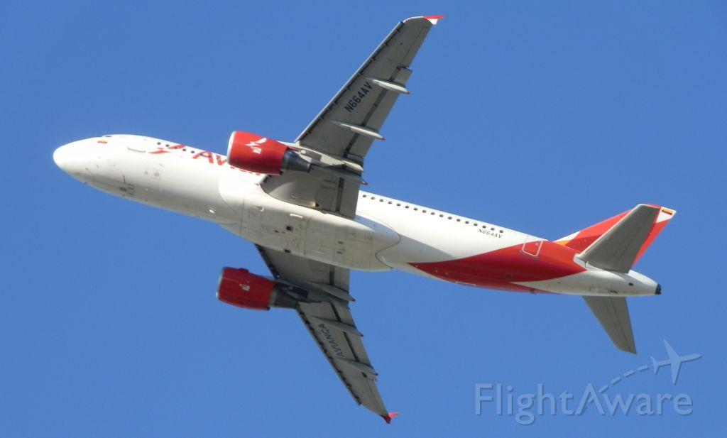 Airbus A321 (N664AV)