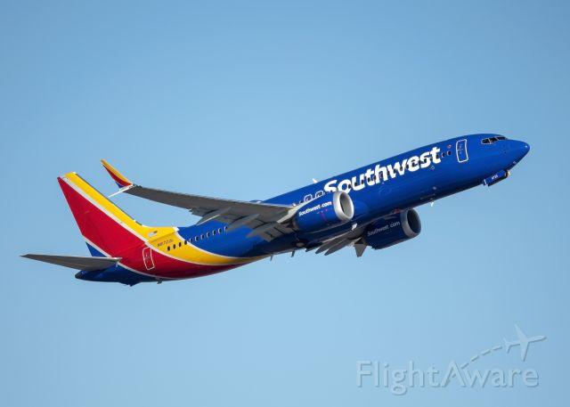 Boeing 737 MAX 8 (N8722L)