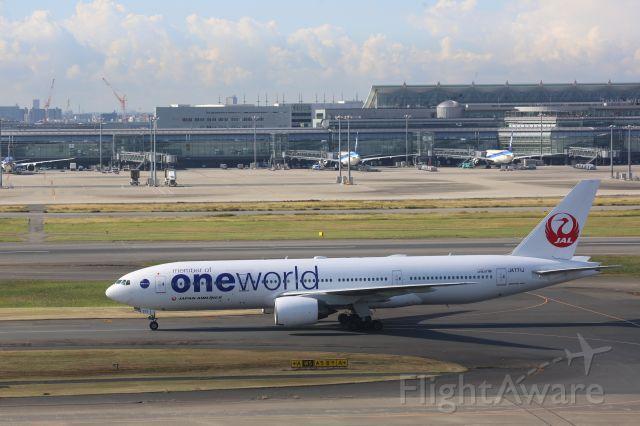 Boeing 777-200 (JA771J)