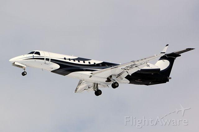 Embraer ERJ-135 (G-RUBE)